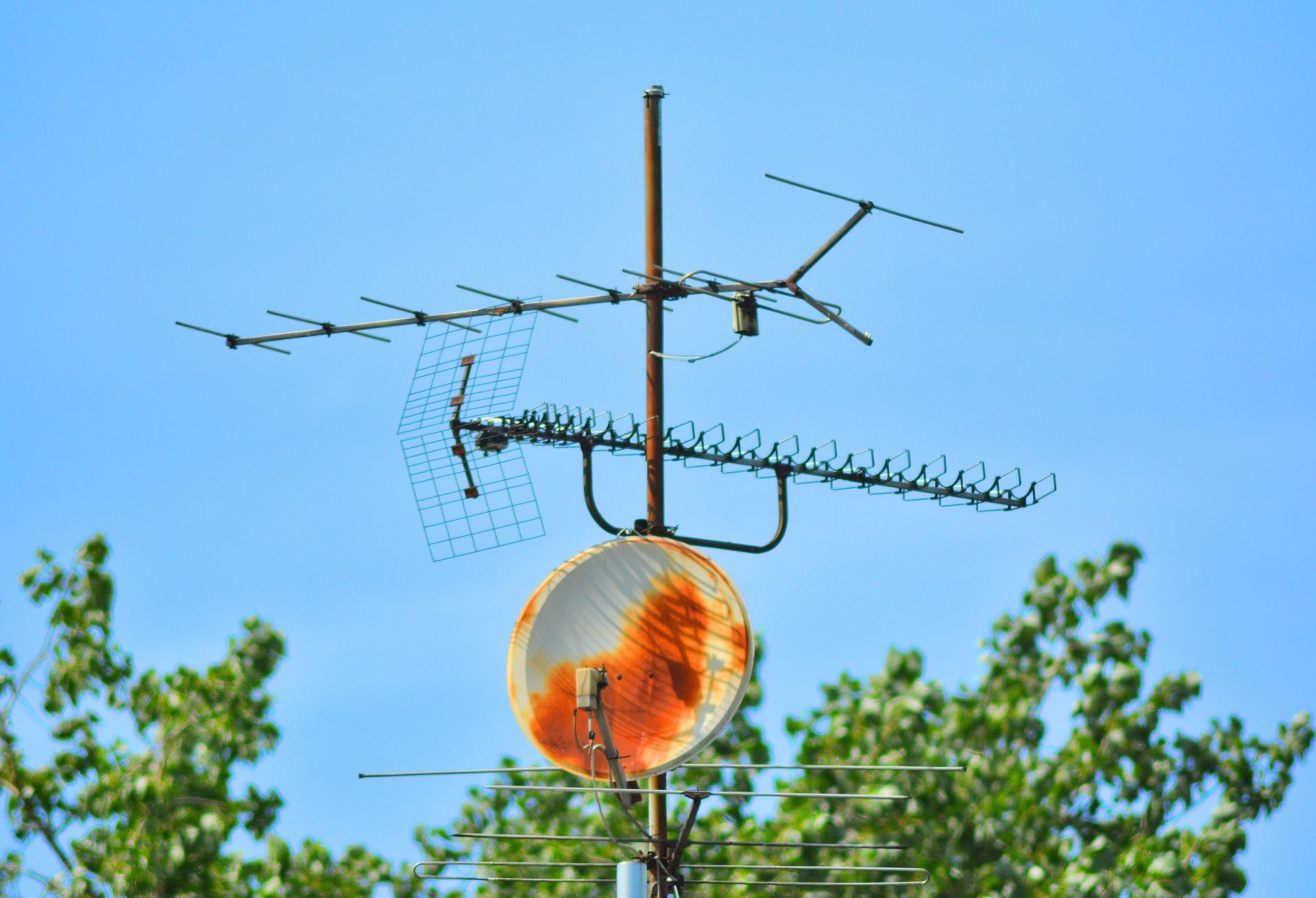 antenna-1508868_1920